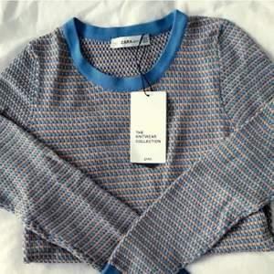 Säljer denna fina struktur tröjan från zara. Kontakta mig för fler bilder eller frågor💖 buda från 50kr eller köp direkt för 170kr, högsta bud just nu: 140kr🥰 budgivningen avslutas IDAG 18.00! Frakt på 63kr är ej medräknat i budet😇
