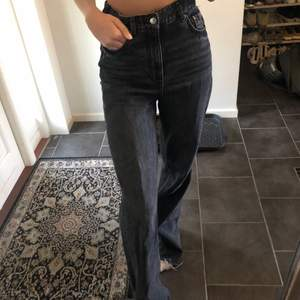Dem populära jeansen från zara!! Skitsnygga men kommer inte till användning längre