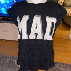 T-shirt i bra skick stl XS men passar XS-M