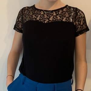 Supernajs och sexig tröja perfekt till fest eller andra finare tillfällen😉