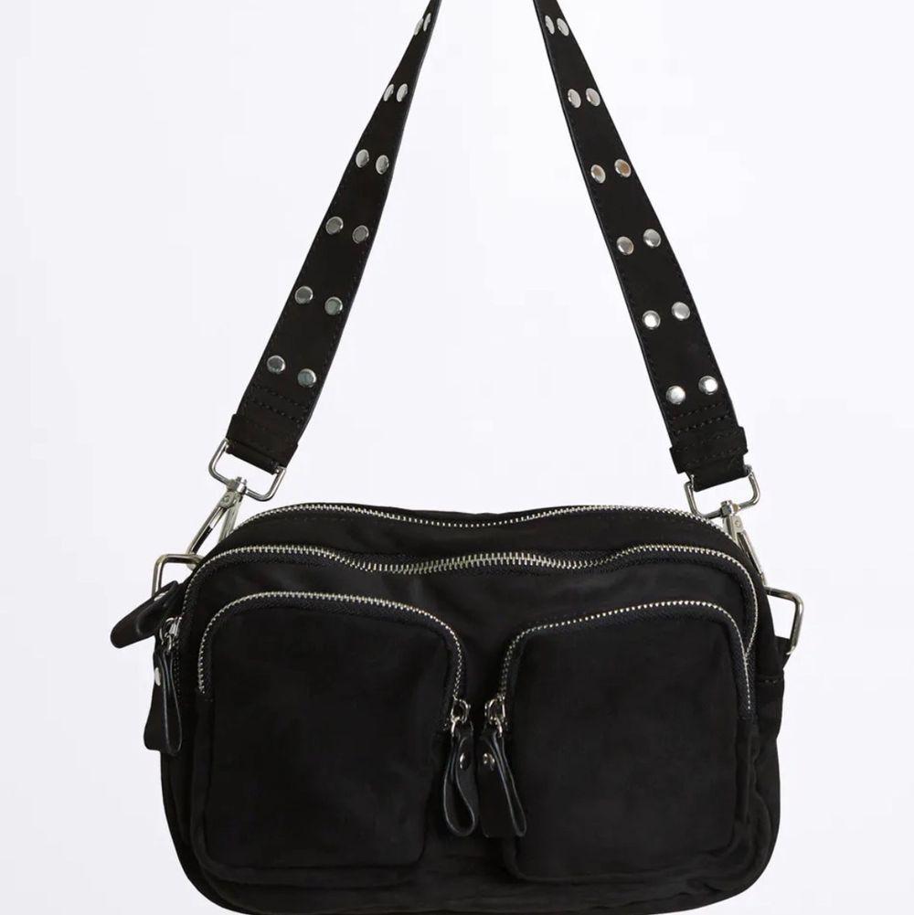 Väska från Gina i nyskick. Den kommer ej till användning. Nypriset är 350kr. Frakt på 48kr❤️. Väskor.
