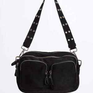 Väska från Gina i nyskick. Den kommer ej till användning. Nypriset är 350kr. Frakt på 48kr❤️
