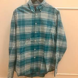 """Blå/grön skjorta från Tommy Hilfiger i """"New York fit"""" strl M  69kr exklusive frakt   #skjorta"""