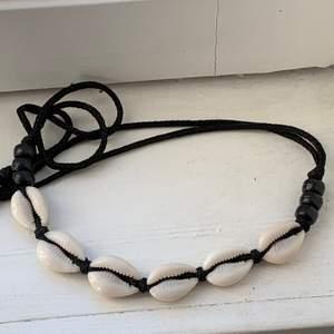 Halsband köpt i Afrika (Gambia). Köparen står för frakt!❤️