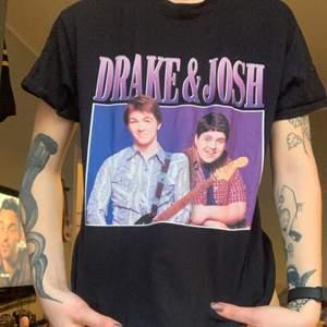 Tisha med ikoniska duon Drake&Josh