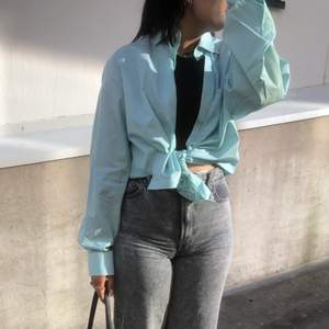 Sååå snygg oversize skjorta som man kan styla på olika sätt, knappt använd!! 200kr +frakt