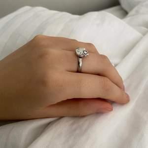Hello Kitty justerbar ring!🤍