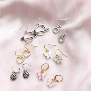 Säljer massa olika örhängen som jag gör själv, kolla in min profil för mer eller @moore_label på Instagram🤍 ✌🏼fjärilar och hjärterna är slutsålda✌🏼
