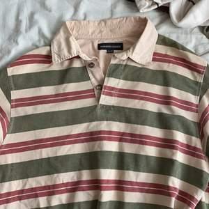 Grön/röd/beige piké tröja!!