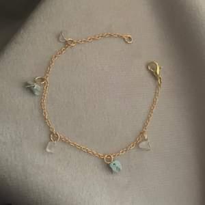 Armband med rosenkvarts och blå halvädelstenar!