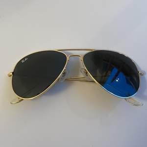 solglasögon i pilotmodell. obs inte äkta! dm vid funderingar💞💞🖤