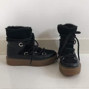 Helt oanvända boots från K.cobler!🥰 Superfina och en varm vintersko, funkar även på höst och vår❤️