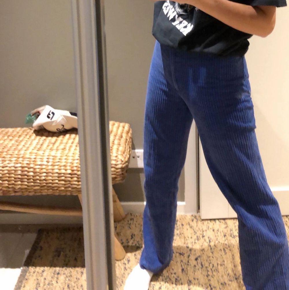 Skit snygga unika byxor från colmar 🙌 säljer endast vid bra bud då ja inte får så mycket andvändning av dom men är osäker på om jag vill behålla då dom är så coola 🙌🙌💕. Jeans & Byxor.