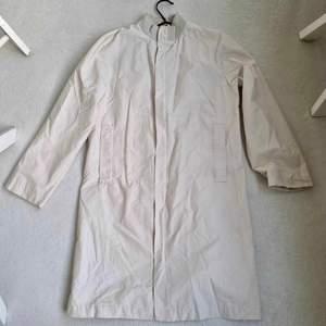 Jättefin kappa från Filippa k, klassisk och stilren!