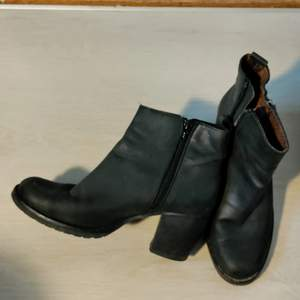 Black leather boots size 37 branded Depeche, made in Spain.