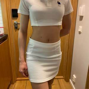 Two piece white set, suppoer soft fabrick, brand new, never worn, M size fits S or XS.