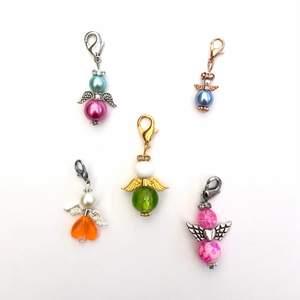 Handgjorda lyckoänglar, perfekt att till exempel hänga på nyckeln som en fin dekor!