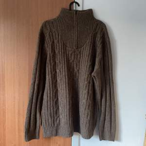 Cozy brown sweater, never used, perfect condition. Size XL