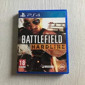 Battlefield Hardline till PS4 i nyskick!!! Inga repor eller skador. Är fler intresserade blir det budgivning:)