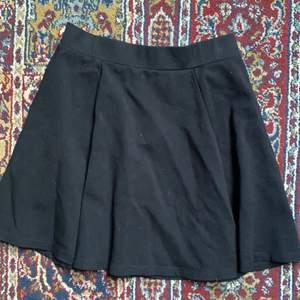 En helt vanlig svart kjol