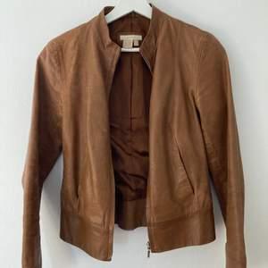 Brun läderjacka från Zara