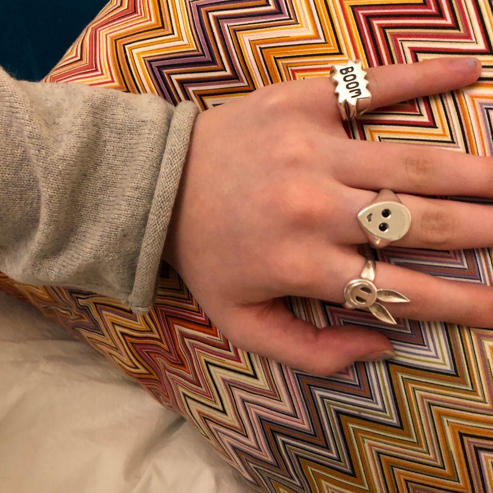!Intresse koll på min fina ring ifrån purple pesto!❤️ nypris är 750kr. Den är i äkta silver. Buda gärna i kommentarerna. Accessoarer.