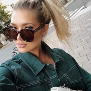 Solglasögon från Corlin Eyewear i modellen Modena Brown. Helt nya. Nypris 699 kr.