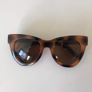 Cat-eye solglasögon aldrig använda. Frakt tillkommer.💗