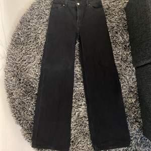 Wide jeans från Monki i storlek 36/S,M😇
