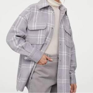 Superfin overshirt/jacka från H&M i storlek S. Pris: 250kr + frakt 😇