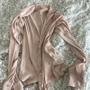 cardigan in rosé colour, very soft material