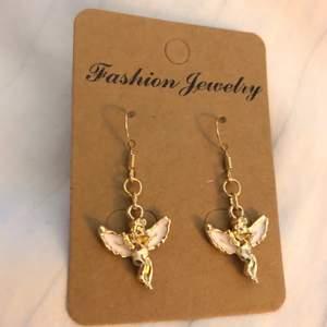 👼 Ängel-Örhängen, frakt: 14kr 👼  * Alla örhängen går även att göras till halsband för 15kr billigare⚡️ 💜TILLFÄLLIGT: köp 2 par örhängen och få ett tredje par gratis!!💜