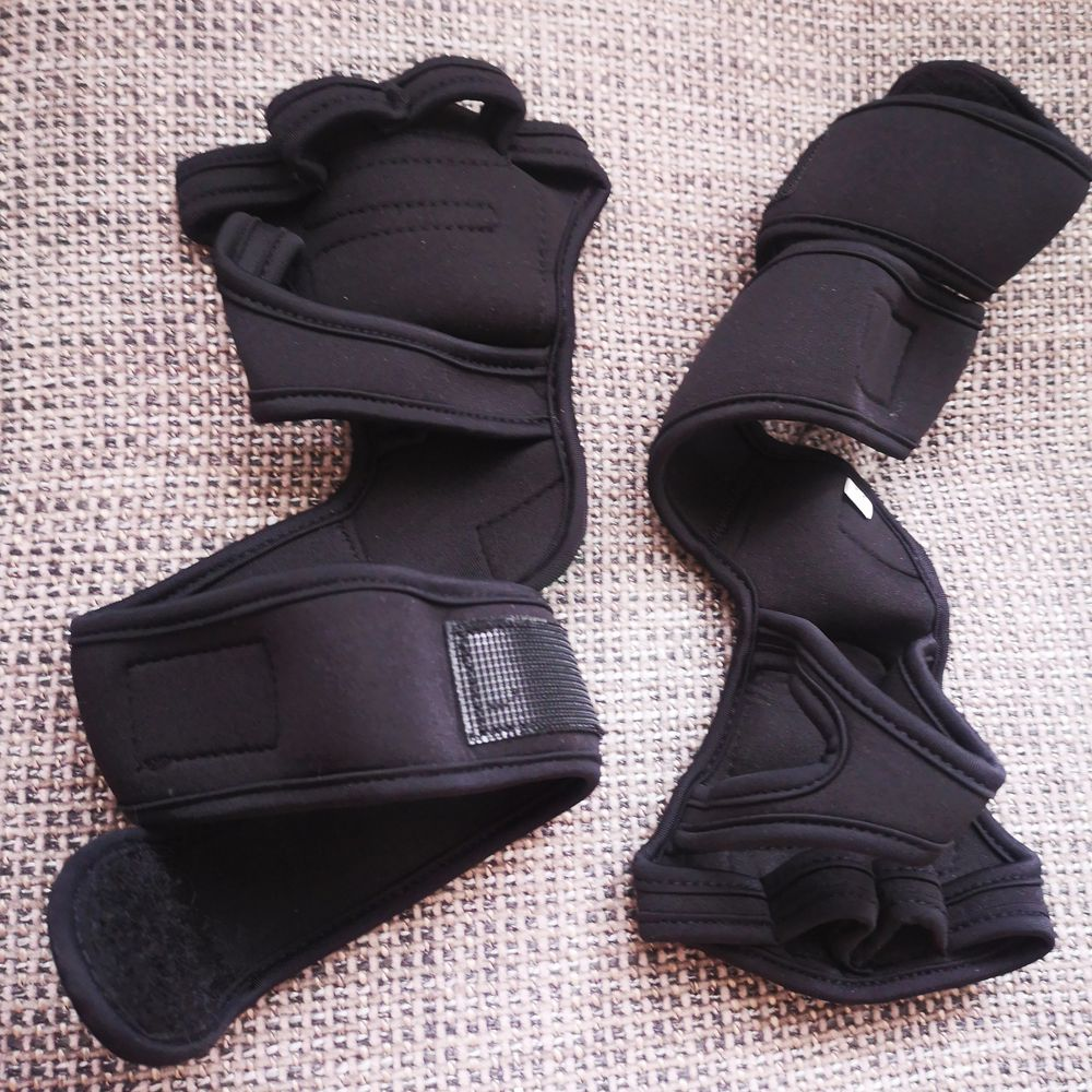 Black gloves. Perfect for lifting weights! New. Size S-M. . Övrigt.