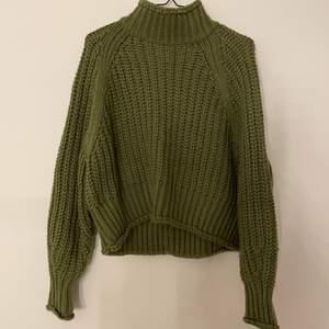 Mysig grön stickad tröja! Frakt tillkommer!!💜