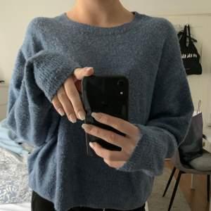Väldigt söt stickad tröja