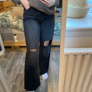 Vida jeans vet inte från var! Super sköna och luftiga! Super snygga till oversized tröjor! Storlek 38/36 aldrig använda