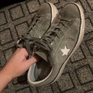 Snygga Converse, säljer då de va förstora. Storlek 38, 166 inkl frakt  hör av er vid frågor
