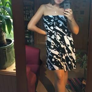 Såå snygg retro klänning som är helt oanvänd!