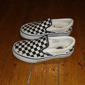 Jättefina vans skor, i fint skick! 🥰. Buda i kommentarerna!