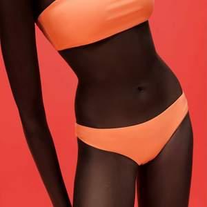 Helt nya super fina zara bikini toppar i storlek small, prislapparna kvar.