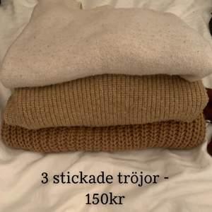 3 stycken stickade tröjor i beige/bruna nyanser för 150kr tillsammans + 66kr frakt! Skriv gärna privat för bilder på varje tröja!😍 Kolla gärna mina andra annonser, kan samfrakta upp till 1 kilo😍💕