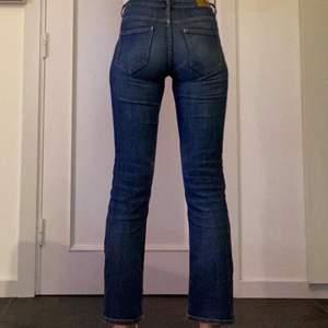 Jätte sköna jeans från Lindex storlek 36. Lite för korta för mig, då jag är över 175 cm.