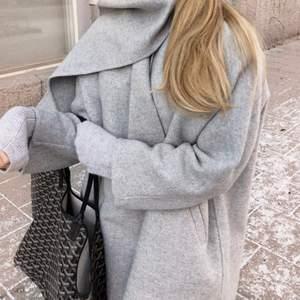 Lite tunnare kappa , perfekt till våren. Jättemysig och fin över en blus eller liknande.