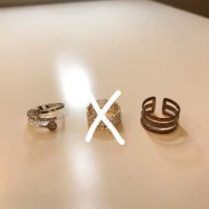 Säljer 6 st ringar i både silver och guld! Skriv om du vill ha bild på hur någon sitter på. En ring för 30kr. Köparen står för frakten 💘💕