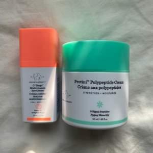 PRIS KAN DISSKUTERAS! Fick nyligen hem dessa populära produkter från Drunk elephant, Protini Polypeptide cream och C-tango Multivitamin Eye Cream. Tyvärr passade de inte min hudtyp:/ inköpta för 1400 kr plus frakt (från USA) och säljer nu båda för 1000 plus frakt! Du får välja om du vill att de ska fraktas spårbart för 66 kr eller inte för 36) ENDAST TESTADE 2 GGR!