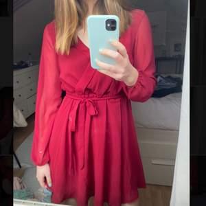En superfin klänning från NLY trend❤️  köparen står för frakten