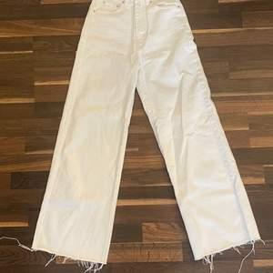 wide jeans från gina. Storlek 32 och säljer pga att jag aldrig andvändt och planerar inte att andvända❤️175 + frakt