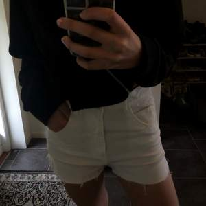 Vita jeansshorts