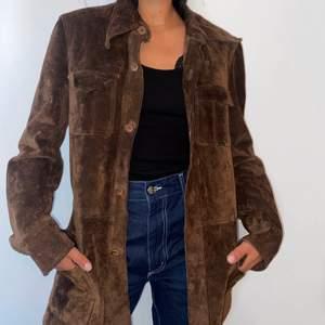 Suede jacket in brown. Used once 🤎