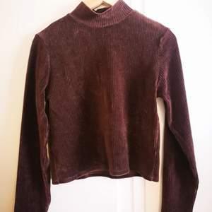 En jätte bra skick Gant tröja använts några ggr  men den passar inte mig längre.